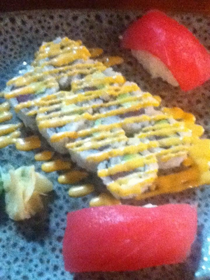 Fusion One Cafe,cafe,sushi