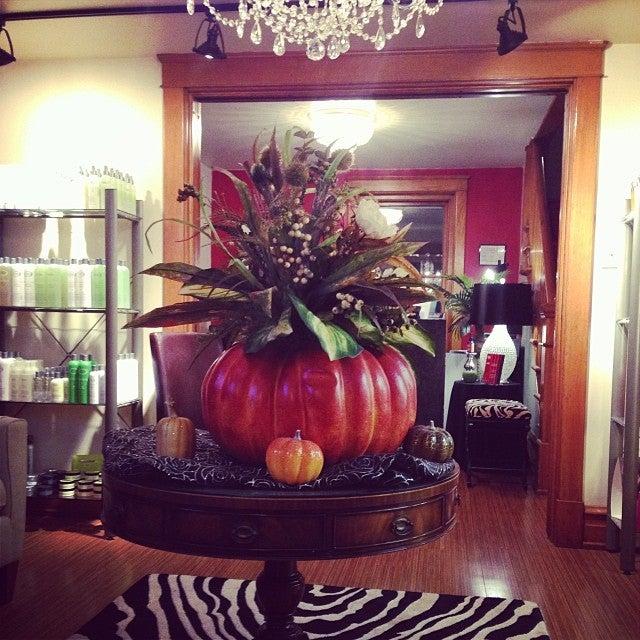 Tangles Salon LLC,