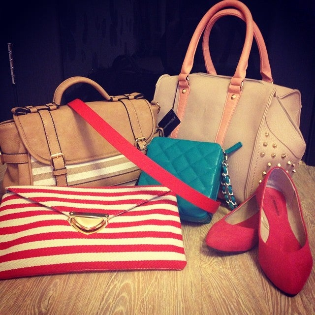 c024bf035923 Магазины сумок и галантереи в Калининском районе - 14 адресов в ...