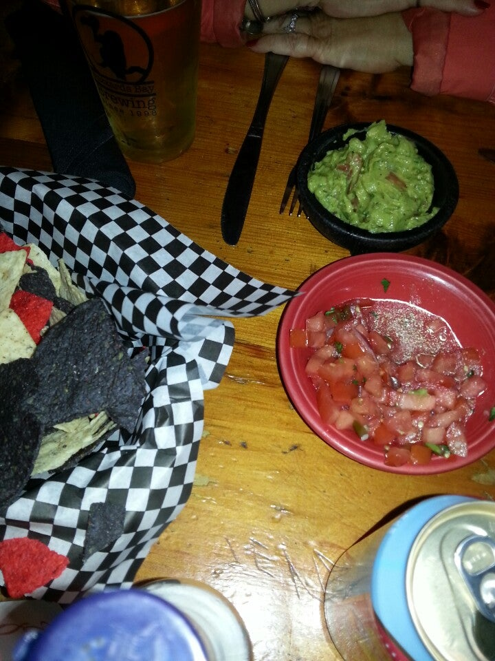 No Problemo Llc,bar,beer,burritos,cash only,live music,mexican,sangria,tacos