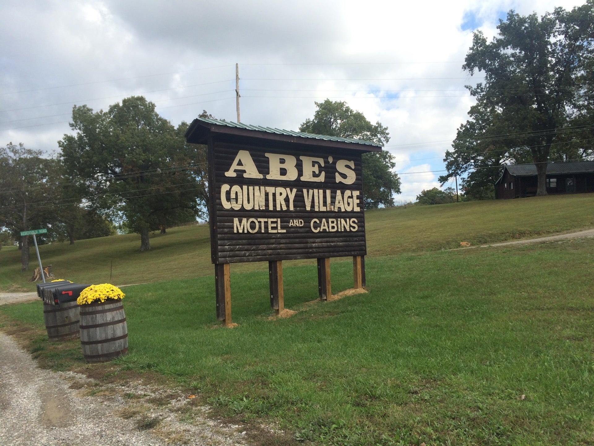 Abe's Country Village Motel & Cabins,