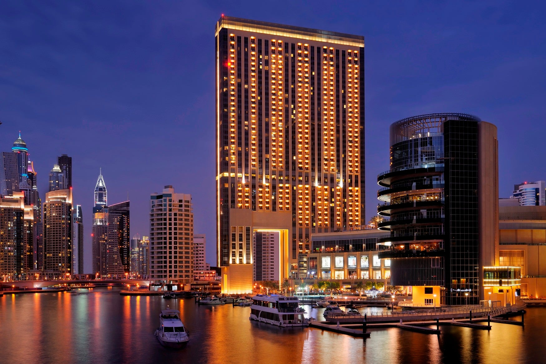9 most luxurious hotels in dubai luxury section for Most expensive place to stay in dubai