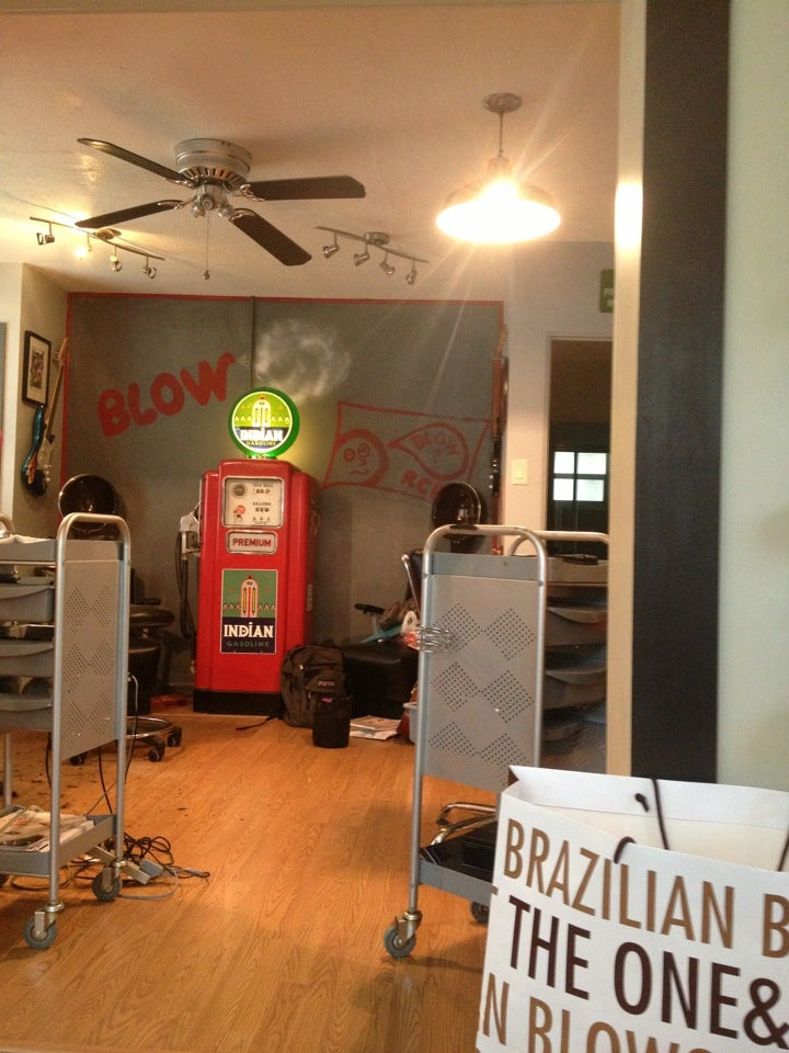 Blow Hair Studio,
