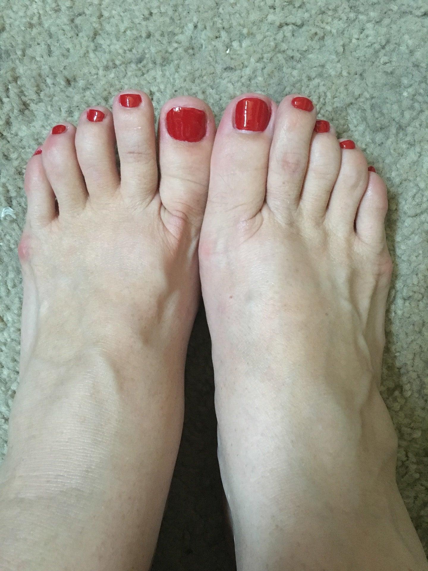 Debonairnail and Spa,facials,gel nails,nails,pedicure & manicure,pint & while nails,wax