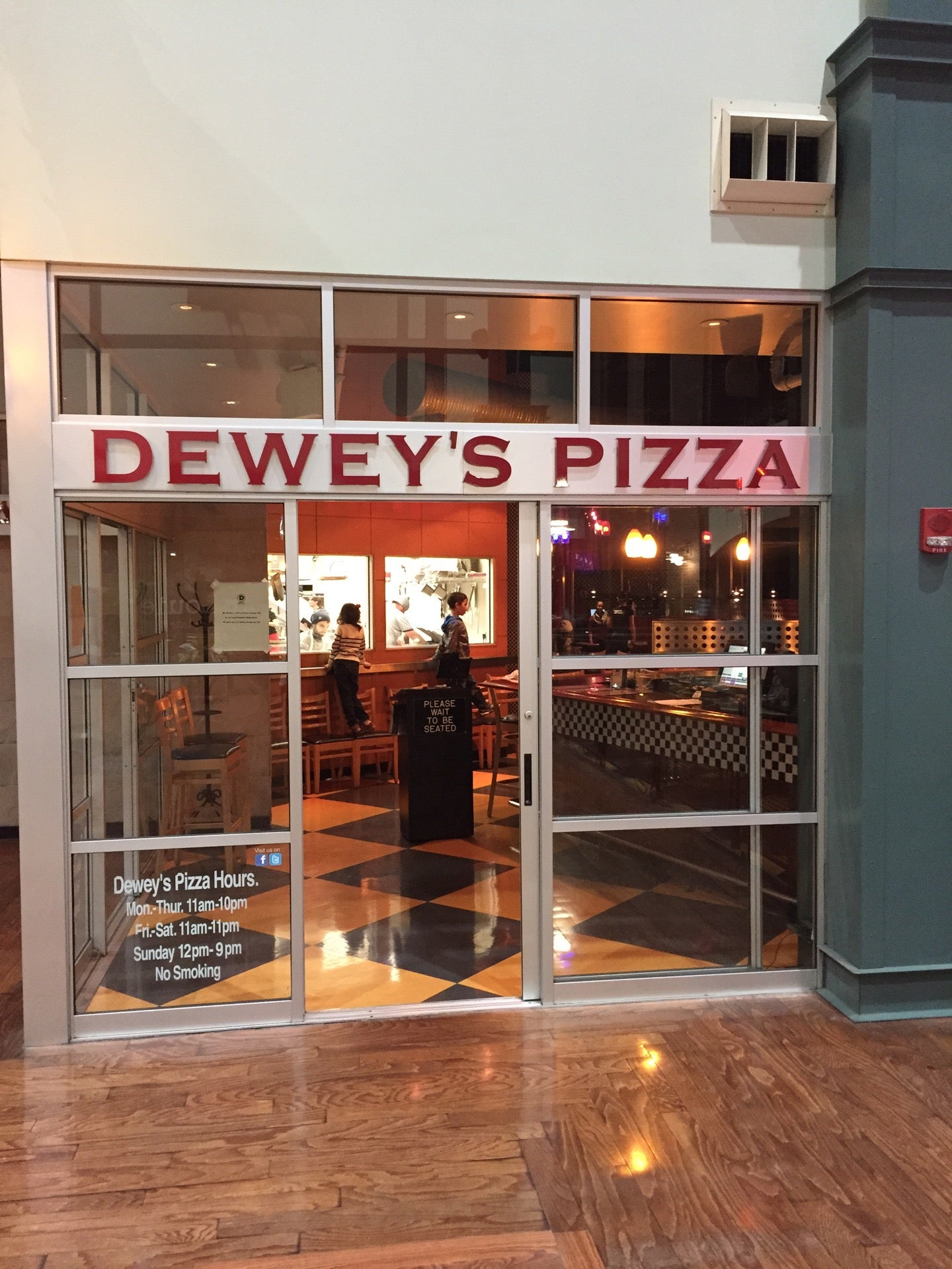 Dewey's Pizza,pizza,zagat-rated