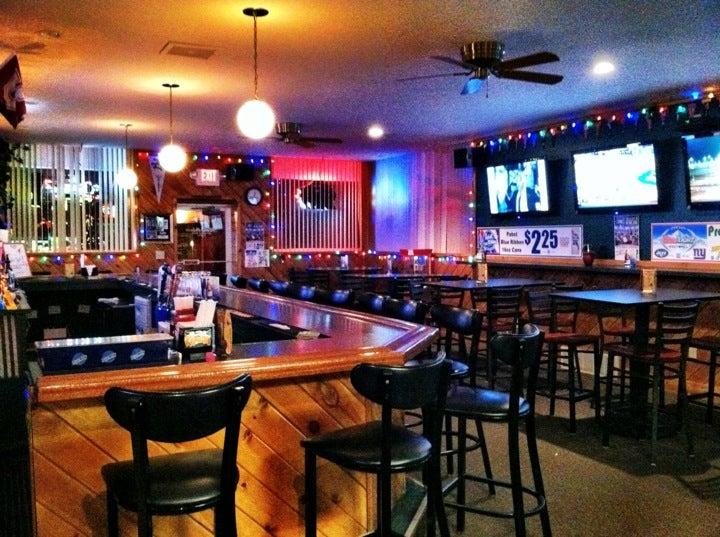 Rookies Sports Bar & Grill,