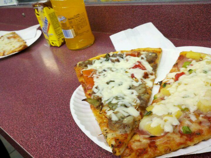 Roberto's Pizza,