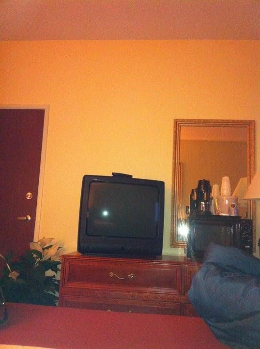 Holiday Inn Express & Suites Muncie,