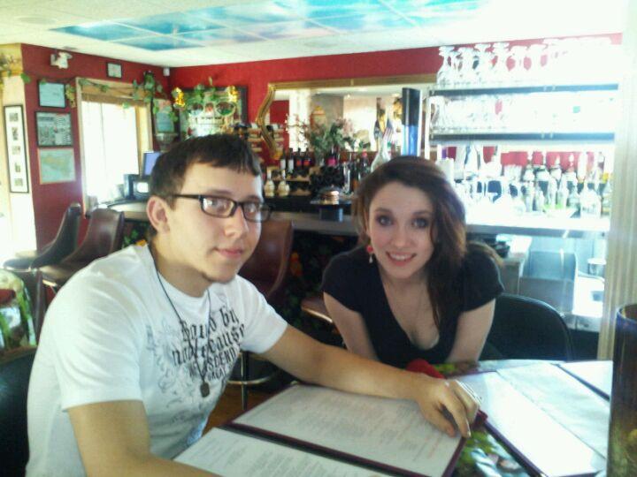 Nino's Family Restaurant,accordian,family,friendly,gourmet,italian,pizza,wine