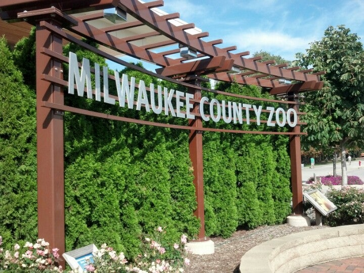 milwaukee county zoo milwaukee tickets schedule seating charts goldstar. Black Bedroom Furniture Sets. Home Design Ideas