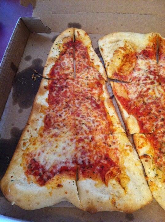 Front Street Deli,pizza