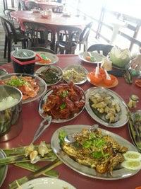 Seafood Rezeki Restaurant