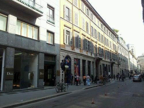 new products 9efcf 65e6a Quadrilatero della Moda Shop in Milan, Italy travel guide ...