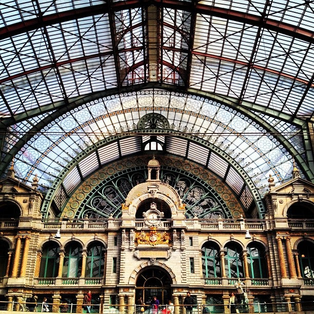 Gare d'Anvers-Central