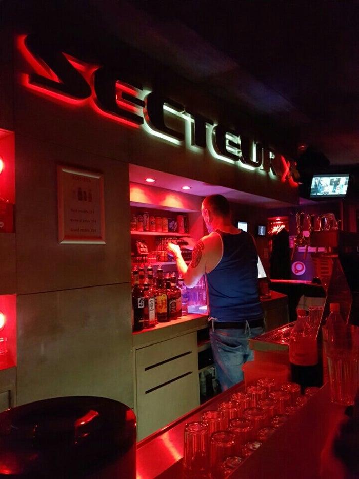 gay bars in paris map