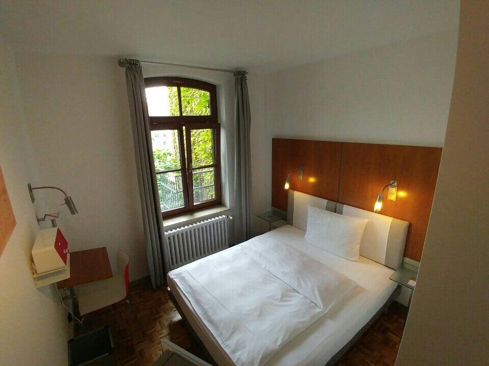 Photo of Hopper Hotel Et Cetera