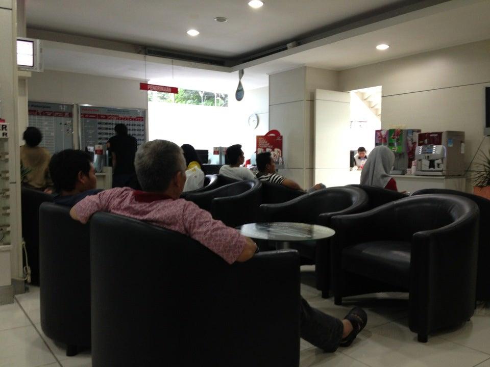 Lounge yang cozy dan nyaman untuk menunggu di HSC