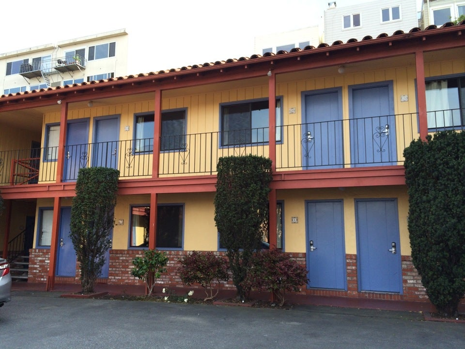 Photo of La Luna Inn