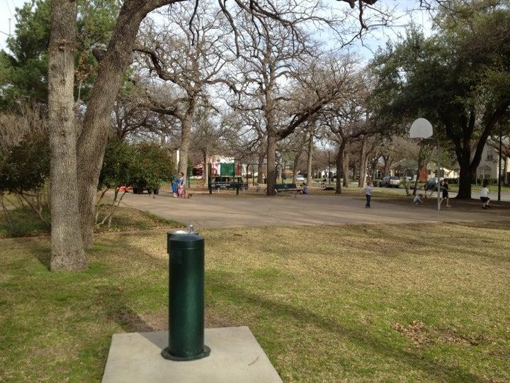 Oakhurst Park