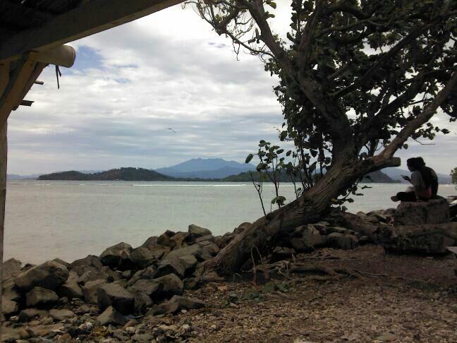 Pantai Tanjung Selaki di Lampung