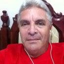 Larry Burrt