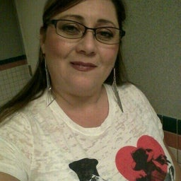 Yvonne Hoyos