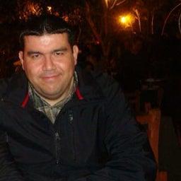 Armando R