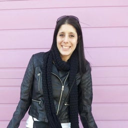 Danielle Larsen