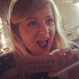 Juliana Davies