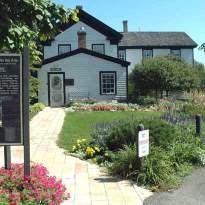 Banfill-Locke Center for the Arts
