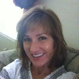 Deanna Leslie